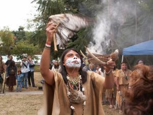Skin clothing, Gabrielino Tongva Springs Foundation. Source: http://jimm47.wix.com/gabrielino