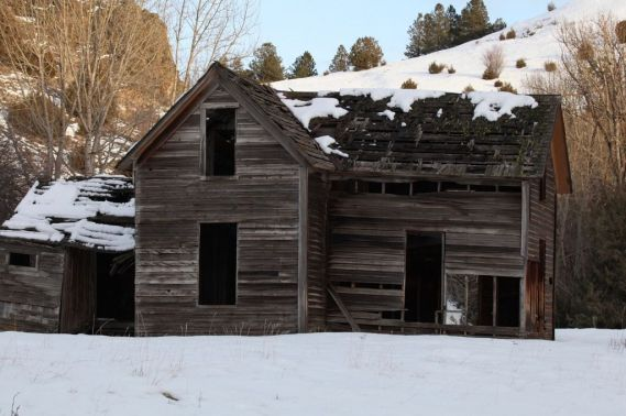 Old house (Bill Griffiths, Wallowa Valley Jan'16)