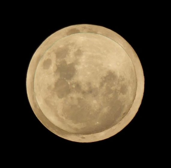 Full moon - largest to smallest (Peter Lowenstein - Earth Sky)